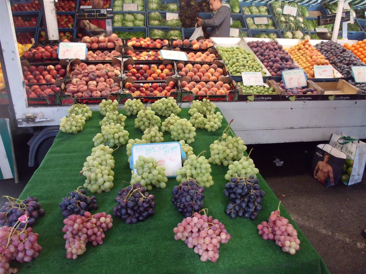 Kleur in fruit   www.belgianfreshfoodinstitute.be