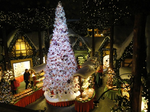 kathe wohlfahrt christmas shop is the main christmas shop in rothenburg where you can enjoy its marvelous christmas decorations and buy its eye dazzling - Where To Buy Christmas Lights Year Round