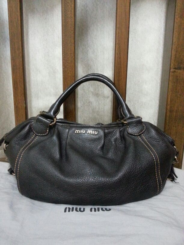 Miu Handbag Shoulderbag Condition 7 10 Got Defect Color Black Comes With Dustbag Ing Price Sgd 190 Rm 600 Contact Via Whats Only