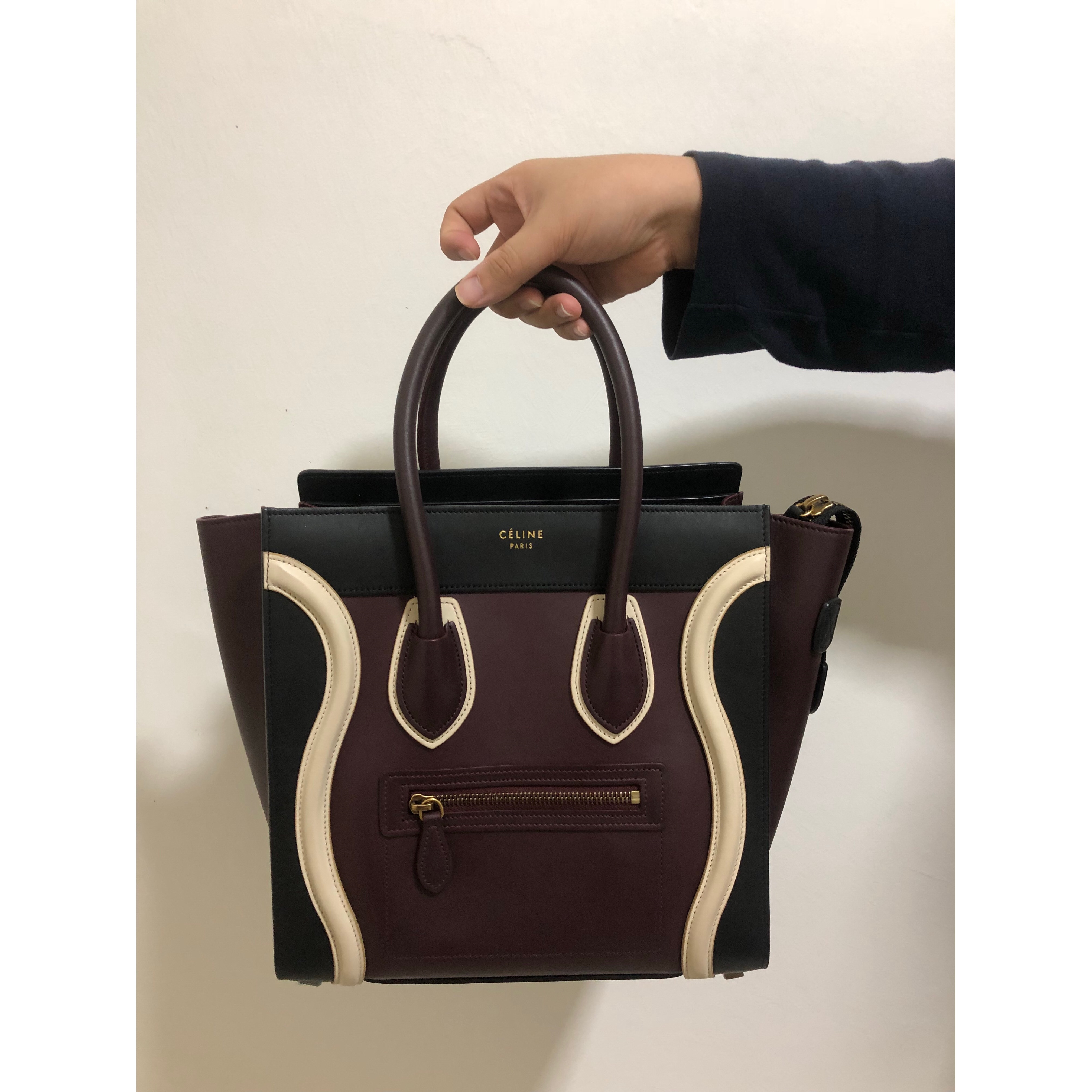 Celine micro Luggage Handbag in tricolour baby grained calfskin  Measurements   27 x 27 x 15cm Condition   9 10 Color Material   Burgundy  colour In ... 66c41d7485f37