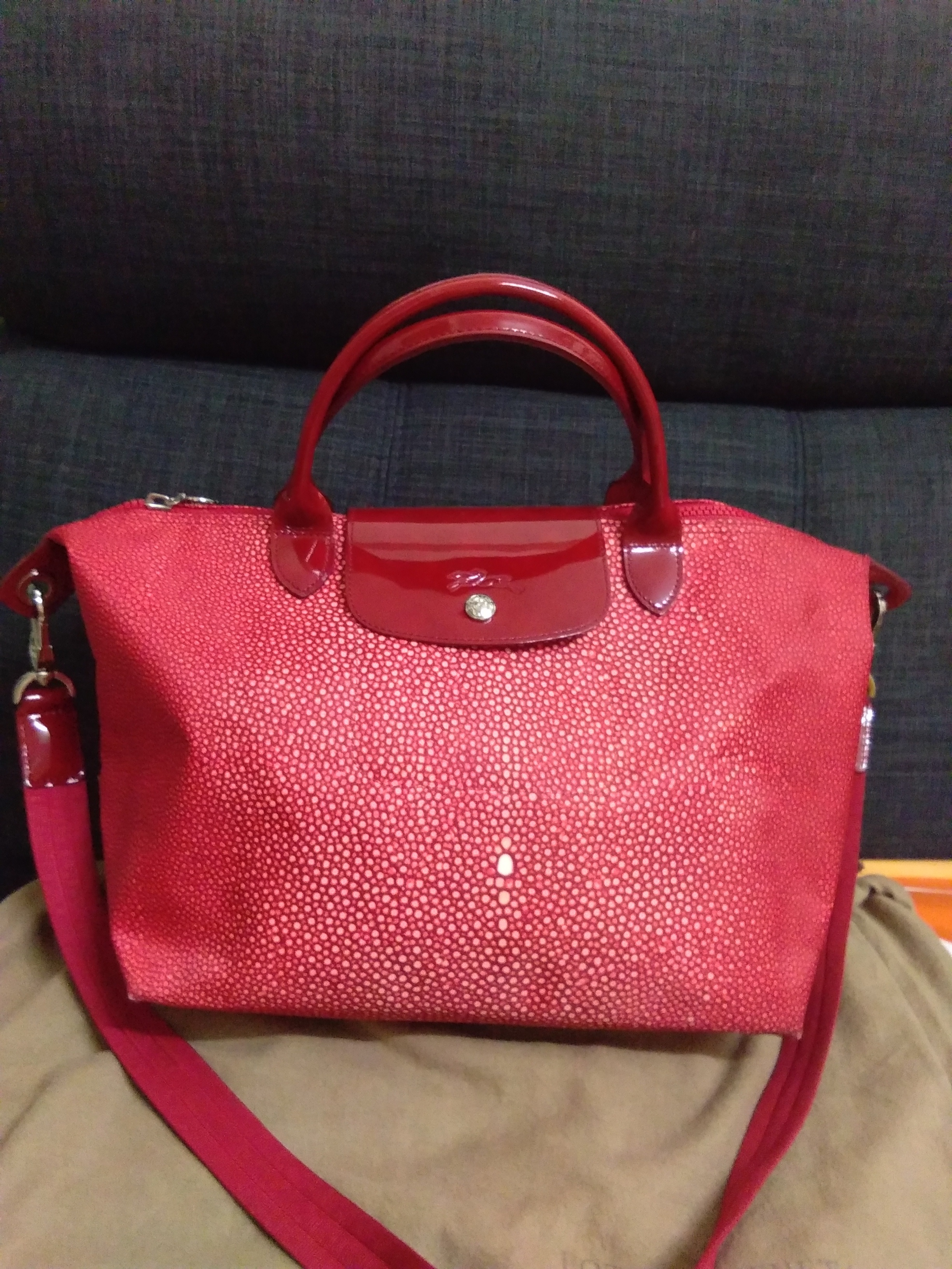 Longchamp Limited Edition Condition   9 10 (Very Good Condition) Color    Red Selling Cheaply only 100% authentic add69ee514304