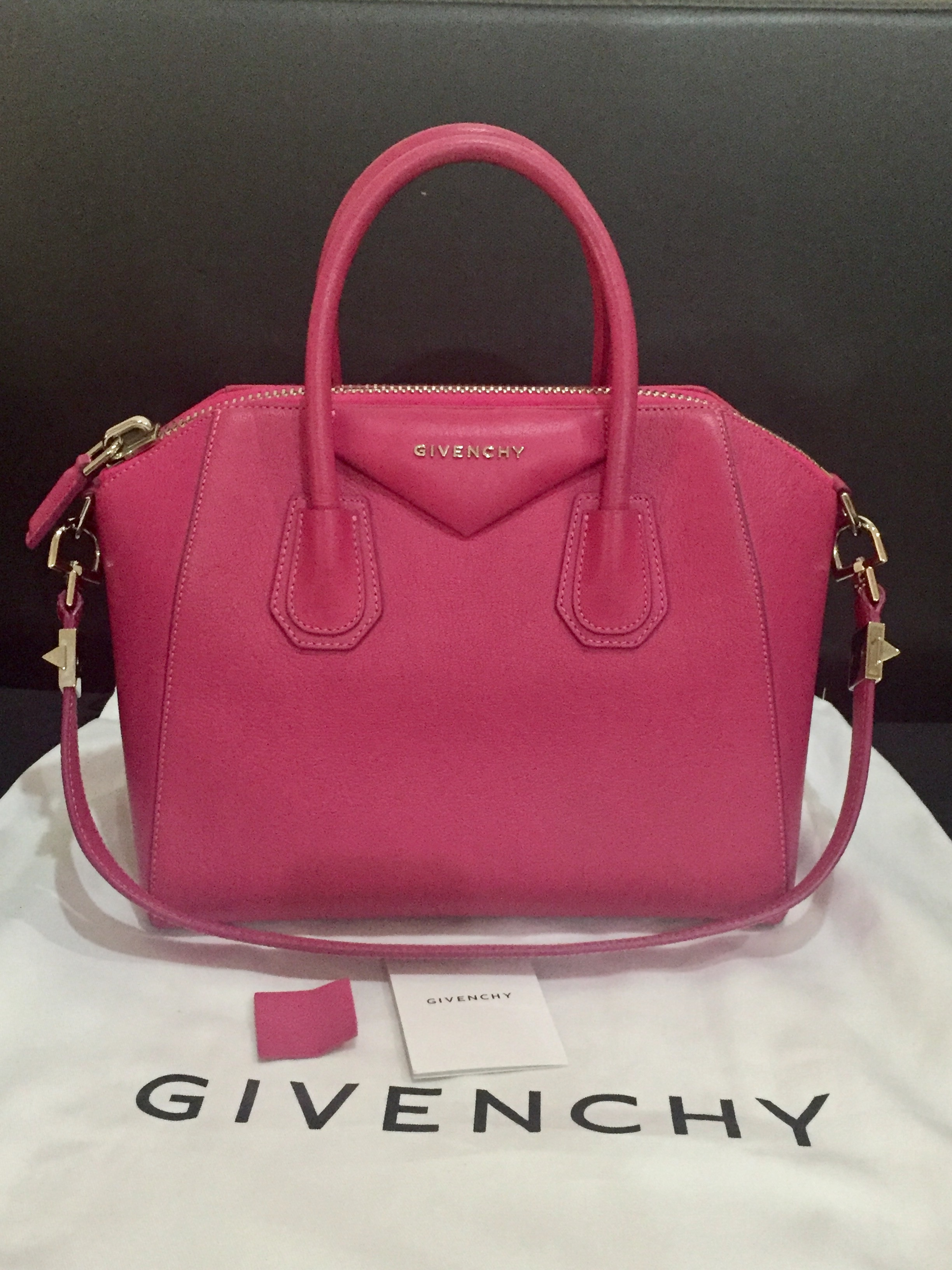 0b5fd41a2371 Givenchy Antigona Small Condition   9 10 Colour Material   Pink  Grained  Leather Selling Price   SGD 1000   RM 2990 only!! Comes with dustbag and  receipt.