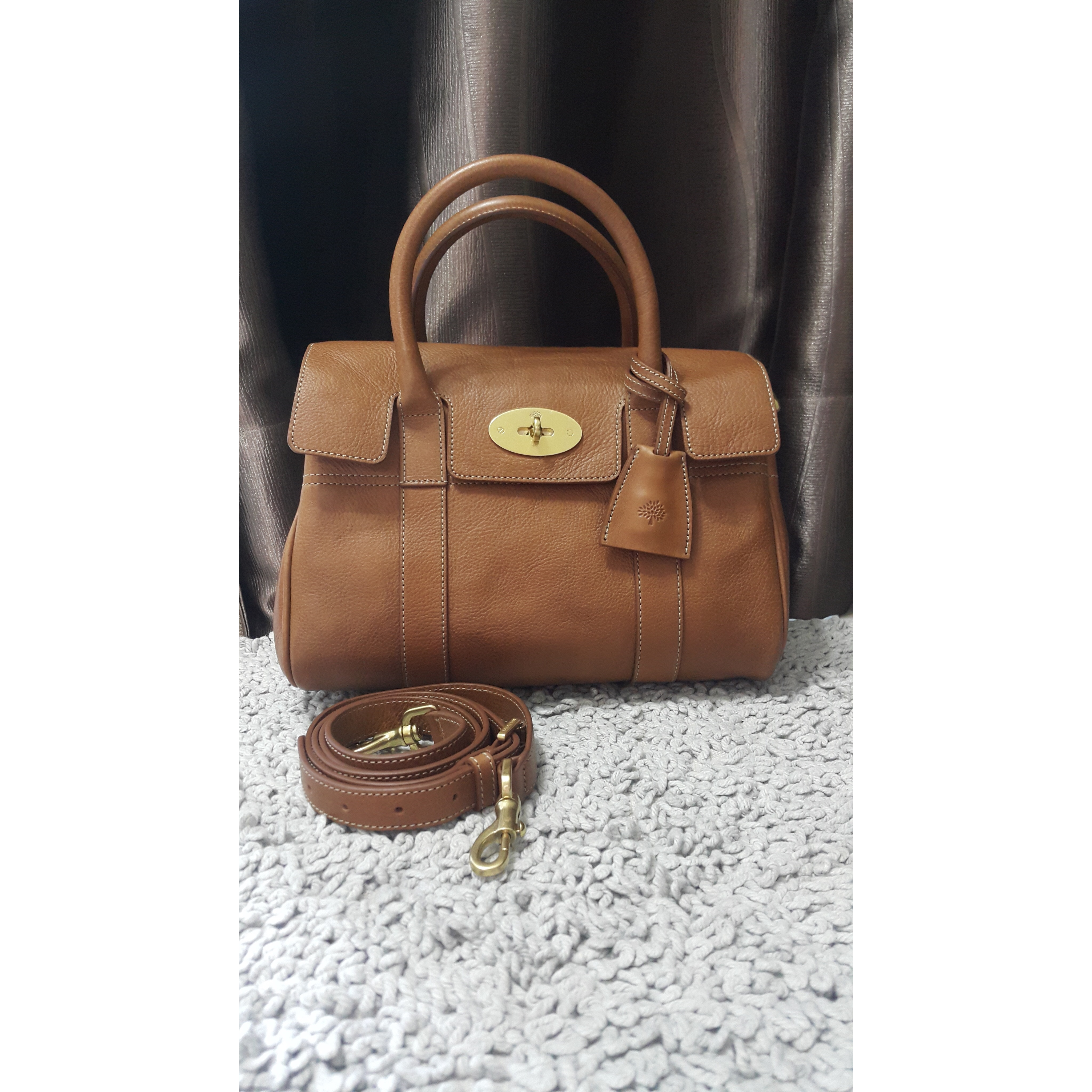 e890fd3d227 Mulberry New Bayswater bag Condition   Brand New Unused Colour   Oak Brown  Comes with dustbag + Paperbag + card Selling Price   SGD1,170   RM3,500 COD  ...
