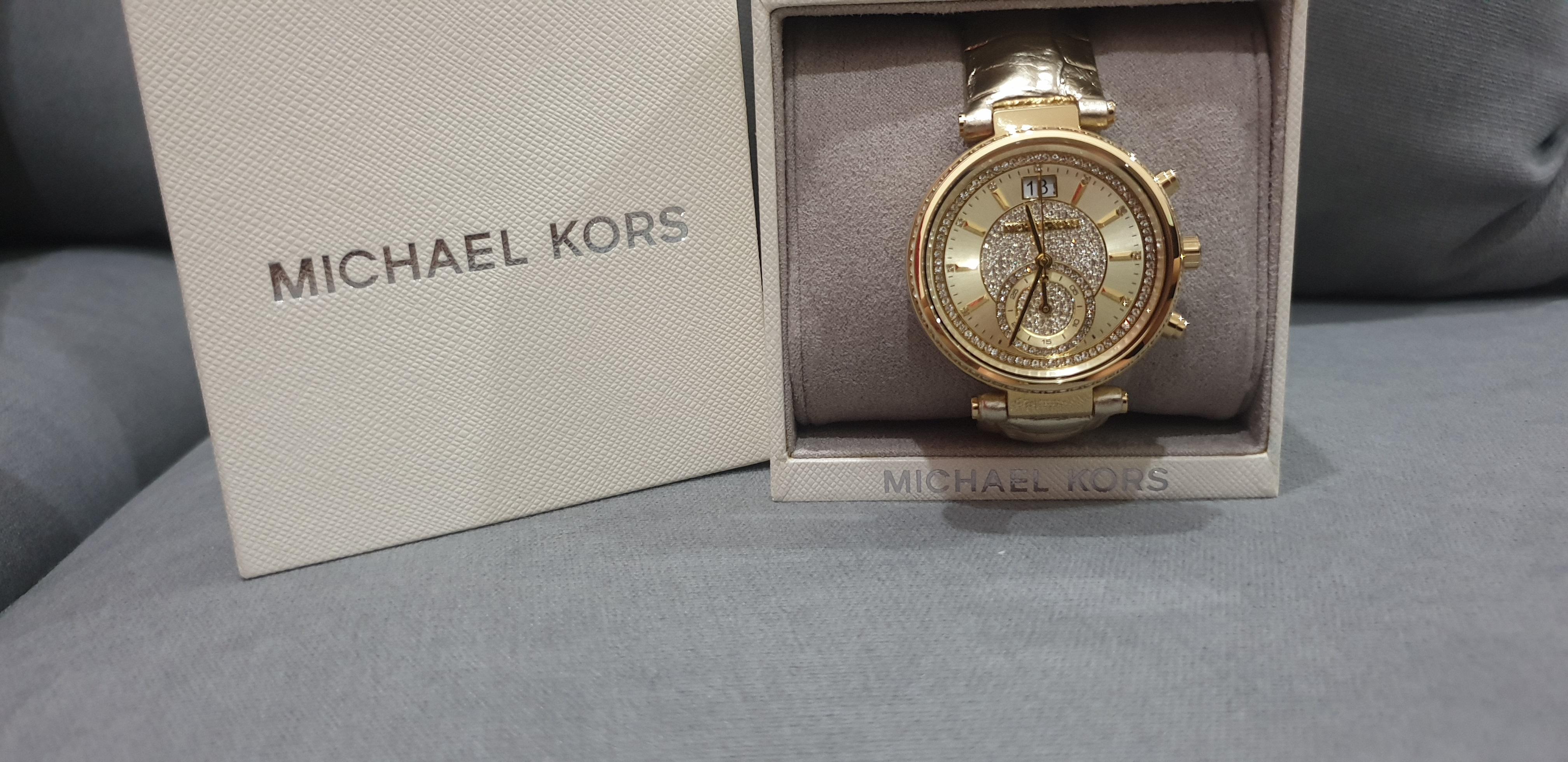 d5c692555c39 Michael Kors Sawyer Metallic Gold 39mm case diameter , Chronograph  Function, Date display , Quartz movement. Condition : 10/10 Brand new unused  Croc embosed ...
