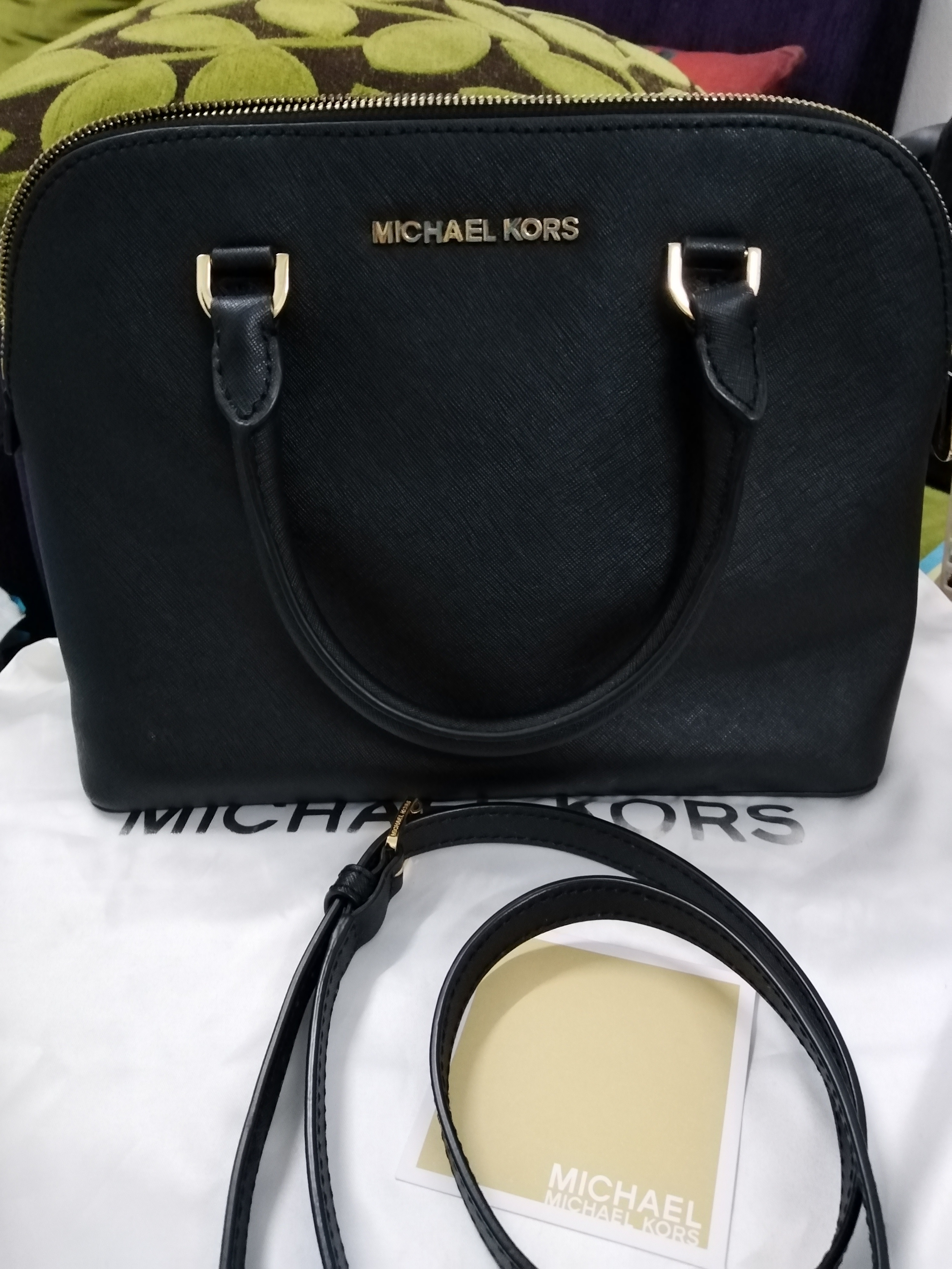 a47154f4756f Michael Kors Bag Measurements : Similar to coach sierra medium. Condition :  7/10 Color/Material : Navy blue Bought in KLIA in 2016 RM1200+. Sign of used.  ...