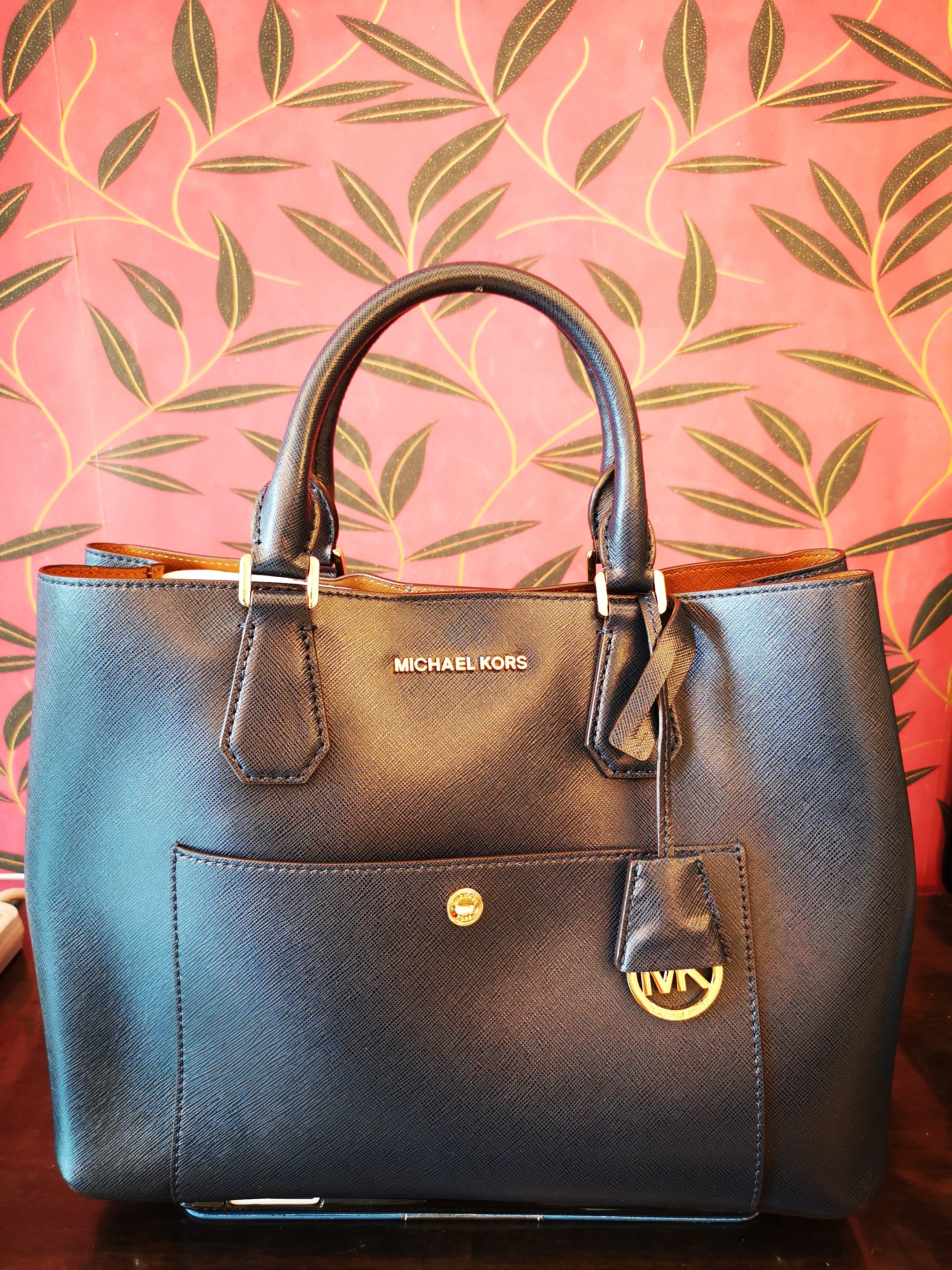 059880a6cc3a Micheal Kors Satchel Bag (medium) Condition : 10/10 Color/Material : Navy  Blue Saffiano Leather Brand new, never used before. Bought from Micheal Kors  ...