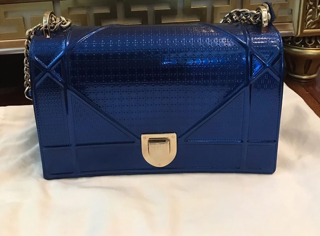 3d74d0e80 Diorrama Royal blue Bought in 2018 Full Set with Box & Receipt Condition :  100% like new Selling Price : SGD 4,335 / RM 13,000 (negotiable) Contact  via ...